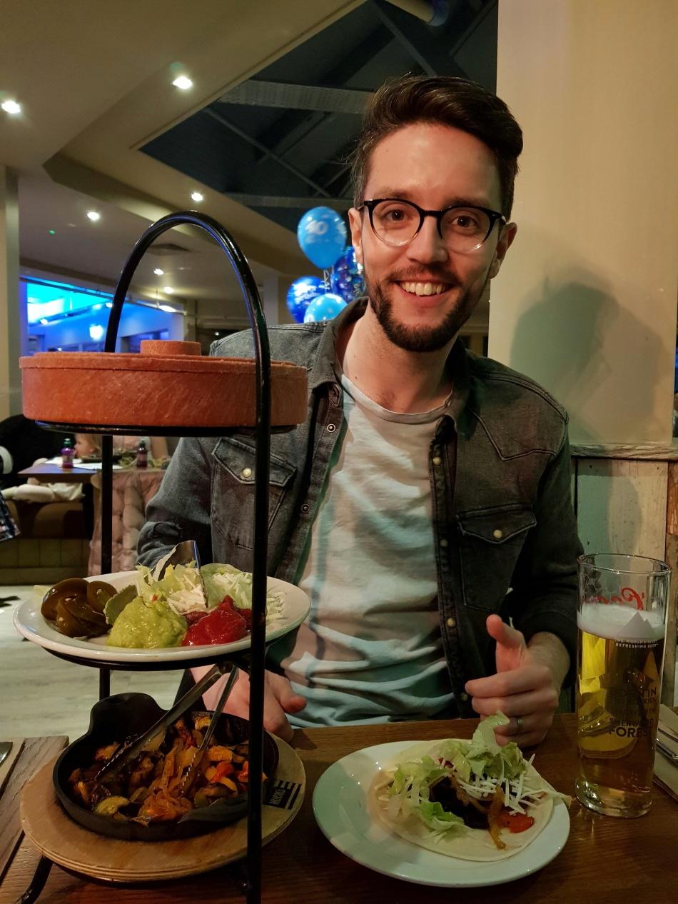 Matt VO London eating vegan fajitas